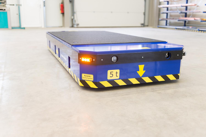 Flaches Transportsystem mit einer maximalen Nutzlast von fünf Tonnen